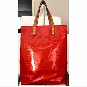 Louis Vuitton Bags - 💯Authentic Louis Vuitton Vernis Reade MM Tote Bag